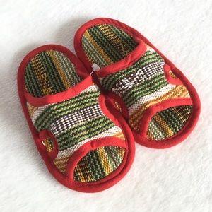 🆕 Woven toddler slide style slippers